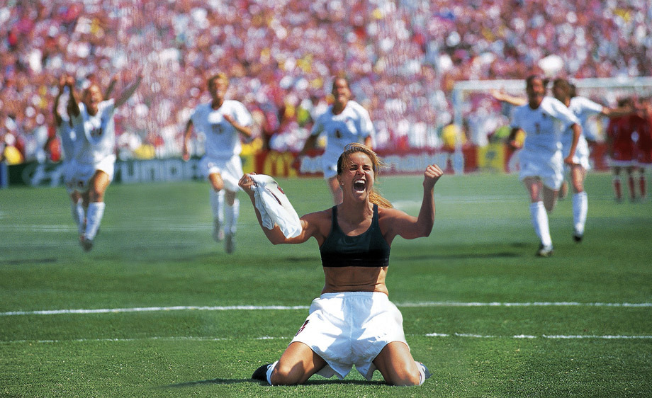 Brandi Chastain Scores Game Winning Penalty Brandi Chastain Sports Illustrated